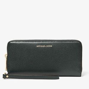 Michael Kors Black Leather Continental Wristlet